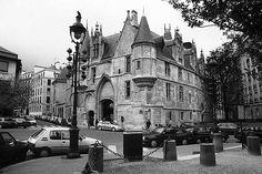 Paris photos in black and white - Marais - Hôtel de Sens, Stephan Edelbroich