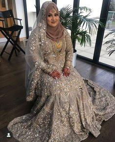 Hijabi Wedding, Hijab Bride, Pakistani Wedding Dresses, Bridal Hijab Styles, Asian Bridal Dresses, Wedding Suits, Wedding Attire, Wedding Cakes, Muslim Brides