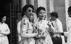 Saigon 1956 - Vietnamese women standing in front of the Saigon Cathedral