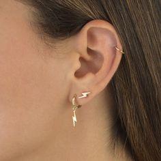Double Ear Piercings, Pretty Ear Piercings, Ear Peircings, Cartilage Piercing Hoop, Triple Piercing, Upper Ear Piercing, Different Ear Piercings, Double Cartilage Piercing, Second Piercing