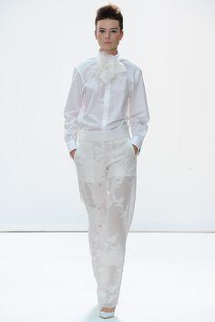 Daks Spring 2015 Ready-to-Wear Collection Photos - Vogue