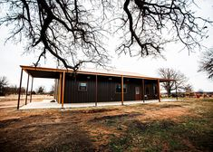 Amazing Oklahoma Barndominium - Pictures, Builder Info, Cost, and More Metal Barn House Plans, Metal Building House Plans, Metal Shop Building, Metal Barn Homes, Build House, Barndominium Pictures, Barndominium Floor Plans, L Shaped House, Shed Homes