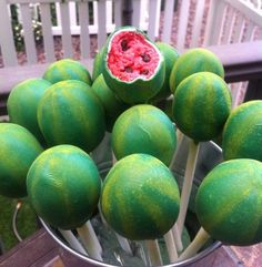 10 Creative Cake Pops for a Summer Party Watermelon cake pops. These creative Summer Cake Pops are perfect birthday or pool party desserts. From beach balls and sharks to lady bugs and crabs, enjoy these cute fun food ideas for cake pops! Watermelon Birthday Parties, Fruit Birthday, Birthday Cake Pops, Birthday Ideas, Summer Birthday, Birthday Party Desserts, Birthday Recipes, 2nd Birthday, Dessert Party