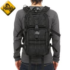 Am I more storage capacity, has become so thin not protrude from the line of the MAGFORCE magforce MF-0513 Falcon2 Backpack BLACK body design 3 layer design