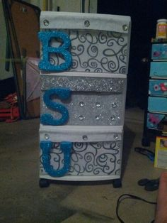 Happy about these bling drawers for dorm! Get Organized! :) #diy #dorm #BallState #college How to:  Felt & glitter foam glued inside drawers/ on handle with hot glue (Walmart) BSU sticky foam letters cut to size and glued (walmart 97¢) Jewels glued on again with hot glue and again WALMART. always. :)