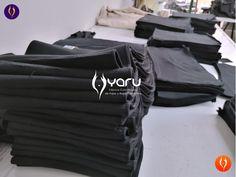 YARU confecciona fajas en latex, powernet, neopreno y poliester con rigurosos procesos de calidad. Usamos telas, hilos e insumos de alta calidad, para que los productos cumplan los alto estandares en los diferentes paises. Leggings, Waist Training, Trainers, Sportswear, Shorts, Bags, Fashion, Vestidos, Moda