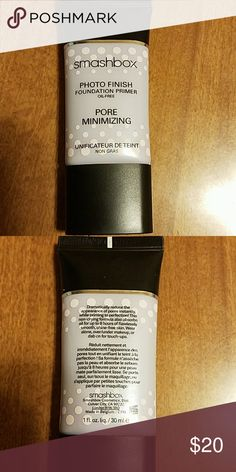 Smashbox photo finish primer pore minimizing Full size. Got from another poshmark. Just didn't care for it. Used only 3 times. Smashbox Makeup Face Primer