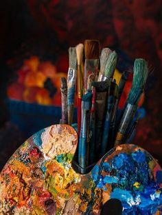 A pallete of color on an artist's pallet. Shotting Photo, Art Hoe Aesthetic, Aesthetic Painting, Art Watercolor, Atelier D Art, Paint Photography, Artist Life, Paint Brushes, Art Studios