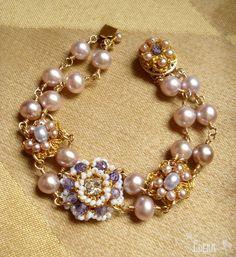 Lavande-Bracelet-Pink-Purple-Pearls-Gold-Lace.jpg