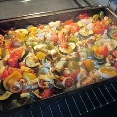 Oven vegetable on sheep& milk cheese, a refined recipe from the .-Backofengemüse auf Schafskäse, ein raffiniertes Rezept aus der Kategorie Gemü… Oven vegetable on sheep& milk cheese, a refined recipe from the category vegetables. Lacto Vegetarian Diet, Vegetarian Recipes, Healthy Recipes, Law Carb, Oven Vegetables, Clean Eating, Healthy Eating, Grilling Recipes, Meal Prep