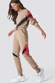 The Multi Blocked Sweatpants by NA-KD Urban features a relaxed fit with thick material, stretchy Sport Outfits, Girl Outfits, Cute Outfits, Fashion Outfits, Fashion Tips, Sport Fashion, Womens Fashion, Sports Trousers, Sweatpants Outfit
