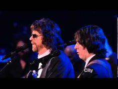 Jeff Lynne, Dhani Harrison and Joe Walsh - Something - YouTube