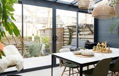 Verasol Profiline Überdachung | Entdecken Sie grenzenlose Möglichkeiten House Extension Design, Extension Designs, Extension Ideas, Pergola, Kitchen Dining Living, Glass Room, House Extensions, Patio Design, Sunroom