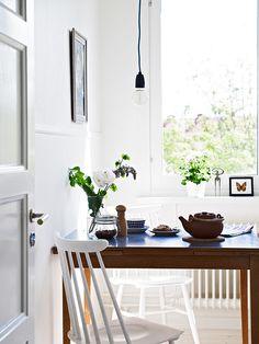 Apartment breakfast area