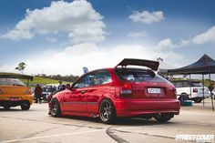 EK Society updated their cover photo. Honda Civic Hatch, Honda Civic Coupe, Tuner Cars, Jdm Cars, Honda Hatchback, Honda S2000, Ek Hatch, Civic Jdm, Honda Cars