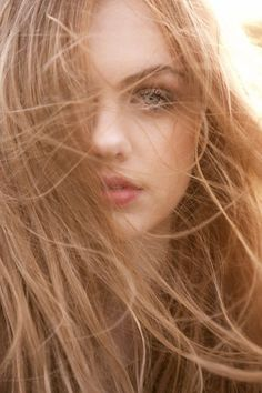 Creamy neutral strawberry blonde hair