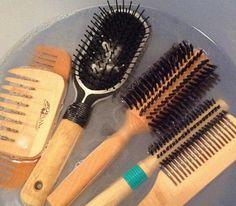 Come pulire spazzole e pettini - La CASA Delle IDEE