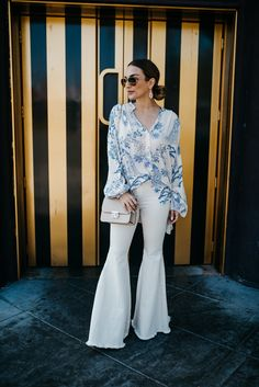 Bell Bottom Pants, Bell Bottoms, Hairstyle Look, Wide Leg Jeans, Jean Outfits, Flare Jeans, American Apparel, White Jeans, Women Wear