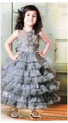 Party Wear Frocks, Kids Party Wear Dresses, Kids Dress Wear, Kids Gown, Party Dresses Online, Party Gowns, Party Online, Wedding Gowns, Birthday Dresses
