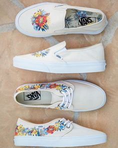 All about the new Vans Surf Tazie SF and Slip-On SF in desert floral. Painted Vans, Painted Canvas Shoes, Painted Clothes, Hand Painted Shoes, Painted Sneakers, Floral Vans, Floral Shoes, Custom Vans Shoes, Cute Vans