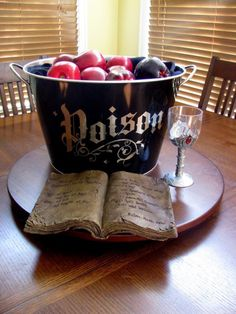 cool shelf!..apples in a basket names poison