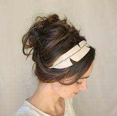 Headband plume suédine beige, serre-tête bohème chic et rétro