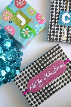DIY Monogrammed Holiday Gift Tags via @heytherehome
