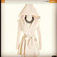 #cappotto #bianco €30,00 su @blind summer   Altri consigli su www.looklikeamodel.it  #llam #looklikeamodel #fashionblogger #fashion #shopping #shoppingconisaldi #sale #saldi #personalshopperllam #personalshopper #personalshopperroma #consigli #iconsiglidillam #blog #blogger #abbigliamento #like #likes #followme