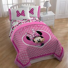 Make bedtime a sweet adventure for your child with this Minnie Mouse 'Cute Bows' comforter. This adorable bedding features Minnie Mouse printed on . Full Size Comforter, Kids Comforter Sets, Kids Blankets, Kids Pillows, Minnie Mouse Bedding, Mickey Mouse, Kids Sheets, Kids Canopy, Toddler Rooms