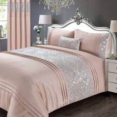 Create luxurious and glamorous style with sensuous blush pink crushed velvet; let the light shimmer seductively as you sink in to softness. Product Details Glamorous crushed velvet in beautiful blush pink tones Catherine Lansfield is renowned for style and quality and this is a glamorous statement piece developed and d Velvet Duvet, Velvet Cushions, Duvet Sets, Duvet Cover Sets, Blush Pink Bedroom, Blush And Grey, Lined Curtains, Bed Spreads, Sweet Home