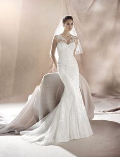 b6dc79d2e59841 13 beste afbeeldingen van Trumpet - Bruidsjurken - Bridal gowns ...