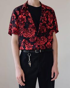 guide for aesthetic fashion Fashion Mode, Aesthetic Fashion, Aesthetic Clothes, Korean Fashion, Aesthetic Vintage, Fashion Styles, Guy Fashion, Summer Aesthetic, Fitness Aesthetic