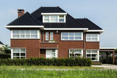 Een klassiek ontwerp in een modern jasje. Zo kunnen we dit herenhuis te Rotterdam kort en bondig het beste omschrijven.