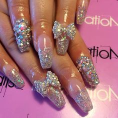 Bombshell nails. Follow Janie Baby for more!