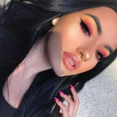 How to Wear Fall's Biggest Makeup Trends IRL From neon lids to rounded liner, here's how to rock the looks.From neon lids to rounded liner, here's how to rock the looks. Cute Makeup, Elf Makeup, Gorgeous Makeup, Pretty Makeup, Skin Makeup, Beauty Makeup, Prom Makeup, Makeup Brush, Pink Lipstick Makeup
