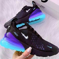 Nike Shoes OFF!> 55 nike air maxs best shoes suitable for your every day in summer 2019 page 13 . Nike Shoes Blue, Cute Nike Shoes, Cute Nikes, Cute Sneakers, Nike Air Shoes, Sneakers Nike, Shoes Sport, Blue Nike, New Nike Shoes