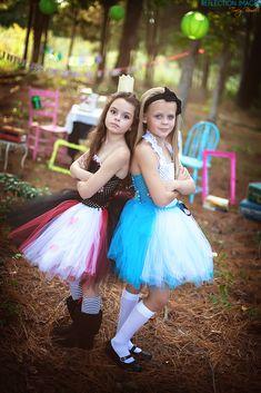 Alice in Wonderland Photoshoot Alice In Wonderland Photography, Photography Women, Photography Ideas, Alice Costume, Grown Women, Child Models, Elegant Woman, Ladies Fashion, Womens Fashion