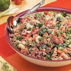Creamy Italian Spiral Salad ~ This colorful and delicious pasta salad serves 30, great for any party or gathering!  The flavors blend so well, and there's plenty of creamy dressing.