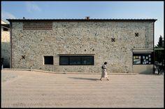 Holiday Resort Hapimag Tonda Italy  #bauzeitarchitekten #resort #hotel #renovation #swiss #architecture Resort, Garage Doors, Louvre, Architecture, Building, Outdoor Decor, Travel, Home, Arquitetura