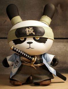 "8"" Ornery Shinsengumi Panda (Dunny) by Huck Gee"