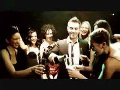 Mixalis Xatzigiannis - mia apo ta idia Video Clip, Singers, Greek, Entertaining, Videos, Music, Musica, Musik, Muziek