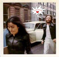 Yoko Ono and John Lennon Les Beatles, John Lennon Beatles, John Lennon Yoko Ono, Jhon Lennon, Bug Boy, El Rock And Roll, Estilo Rock, We Will Rock You, The Fab Four