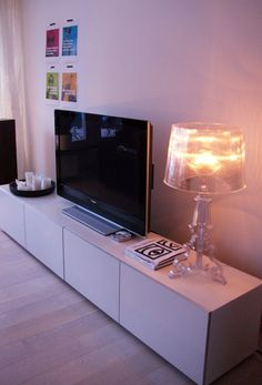 Love the light and the console Living Roon, Living Tv, Living Room Decor, Interior Design Living Room, Interior Decorating, Ikea Design, Interior Exterior, Apartment Living, Home Decor Inspiration