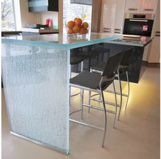 CBD Glass specializes in modern glass work including glass countertops, glass sinks, glass bar tops and much more for commercial and residential projects. Glass Bar, Glass Sink, Glass Kitchen, Glass Table, Kitchen Decor, Kitchen Design, Clear Glass, Kitchen Carts, Kitchen Ideas