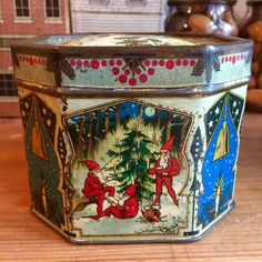 Vintage Dutch Christmas elves tin