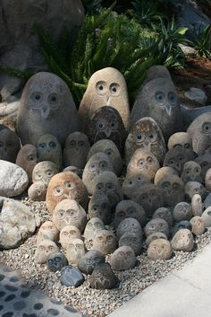 ciao! newport beach: autumn at Roger's Gardens -the power of grouped items. How adorable!