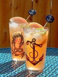 Sailor Jerry Ironsides: Sailor Jerry spiced rum, grapefruit soda (or sparkling grapefruit juice), juice from 1 lime, ice