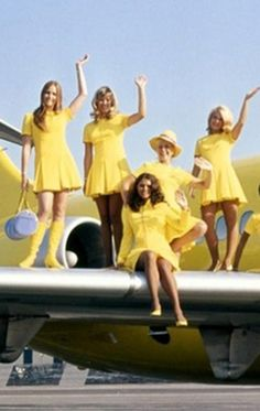 #anekdotique #vintage #airhostess #stewardess #goldenage #airline #fashion #style