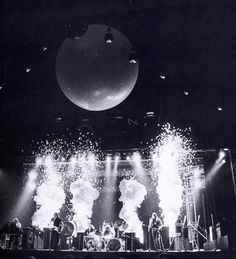 Concert Stage Design: Pink Floyd In the Flesh Tour 1977