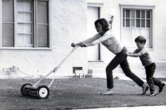 Lost in Hollywood — Mary Tyler Moore and her son, Richie Meeker. Golden Age Of Hollywood, In Hollywood, Laura Petrie, Mary Tyler Moore Show, Ingrid Bergman, Lauren Bacall, Lucille Ball, You're Awesome, Famous Faces